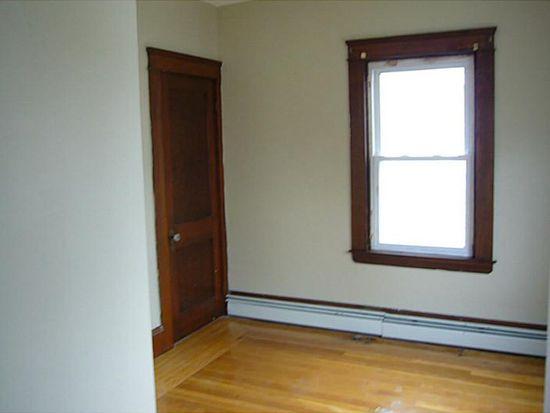 110 Parnell St, Providence, RI 02909