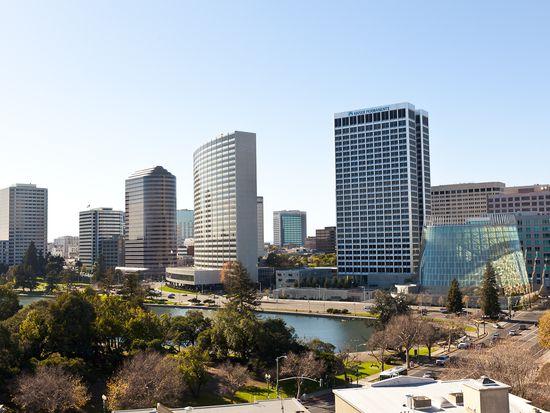 315 Park View Ter APT 601, Oakland, CA 94610