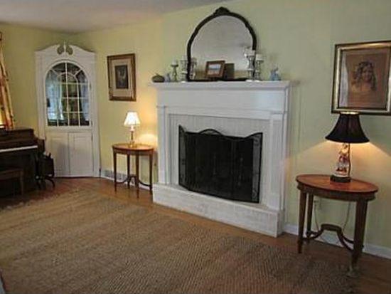 914 Ridgemont Rd, Charleston, WV 25314