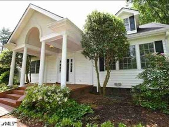 42 Country Club Dr, Greenville, SC 29605