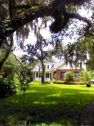 2902 Pemberton Creek Dr, Seffner, FL 33584