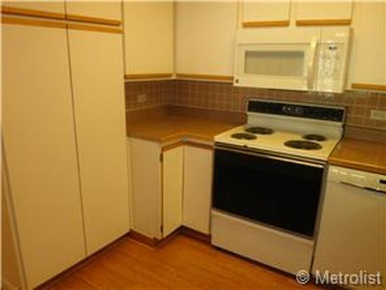600 S Clinton St APT 7B, Denver, CO 80247
