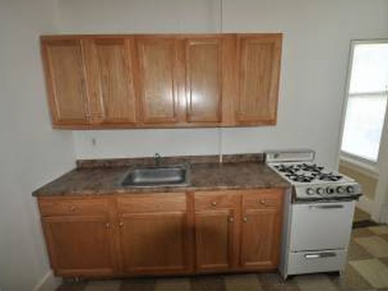 118 Pearl St APT 2, Manchester, NH 03101