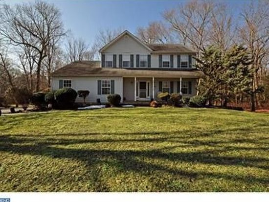 334 Warwick Dr, Cream Ridge, NJ 08514