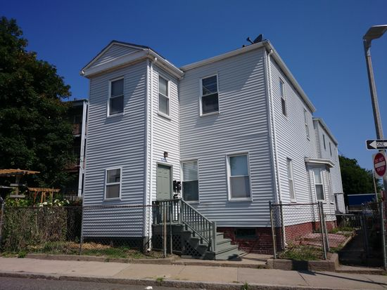 5 Lyon St, Dorchester, MA 02122