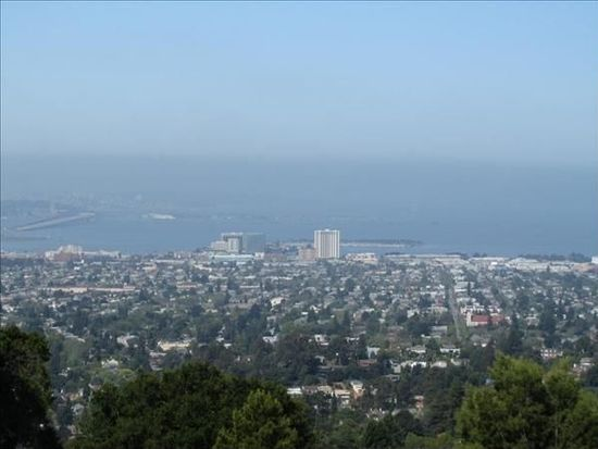105 Starview Ct, Oakland, CA 94618