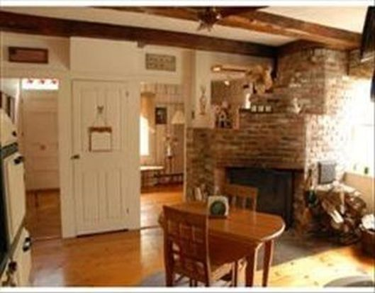 129 Stage Rd, Hampstead, NH 03841