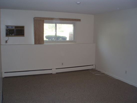 135 Creek St APT 1, Wrentham, MA 02093