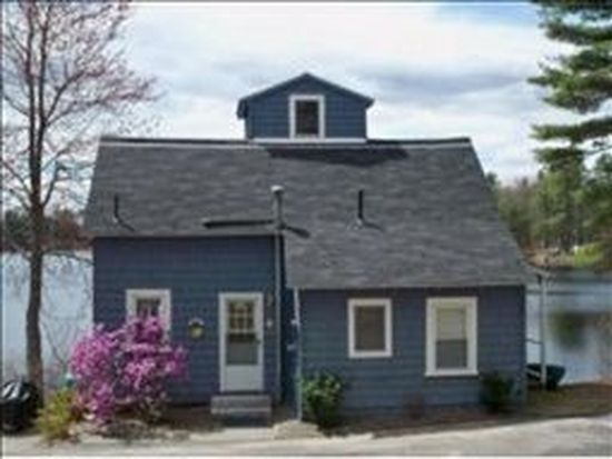 9 Seeley St, Sandown, NH 03873