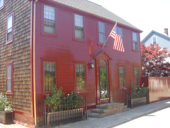 42 Edward St, Newport, RI 02840