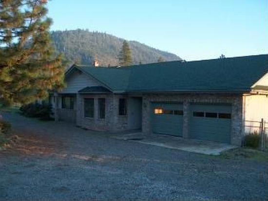 715 Colonial Dr, Grants Pass, OR 97526