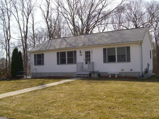39 Reservoir Ave, Swansea, MA 02777
