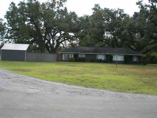8284 Friendship Dr, Silsbee, TX 77656