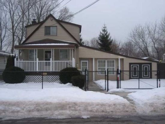 5687 Lindbergh Ave, Niagara Falls, NY 14304