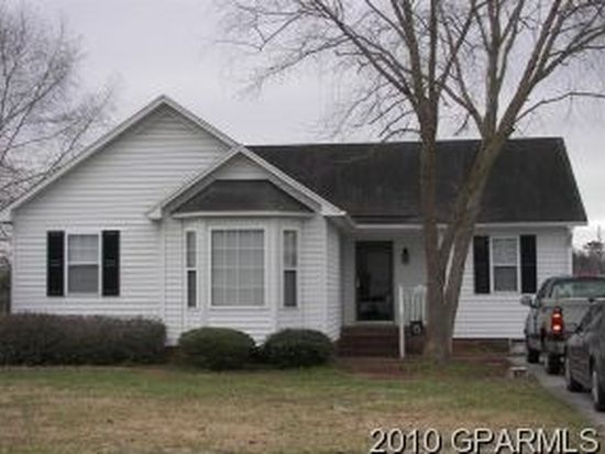 1601 Cedar Ln, Greenville, NC 27858