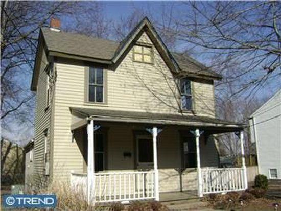 135 E Richardson Ave, Langhorne, PA 19047