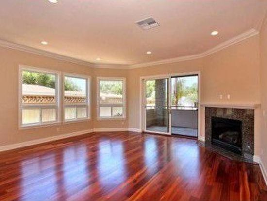 551 Rosemont St, La Jolla, CA 92037