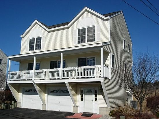 526 High St, Hampton, NH 03842