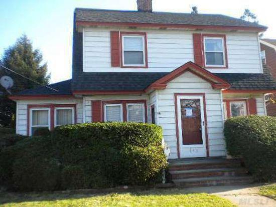 135 William St, Hempstead, NY 11550