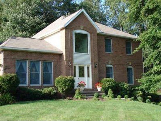 45 Village Park Dr, Grove City, PA 16127