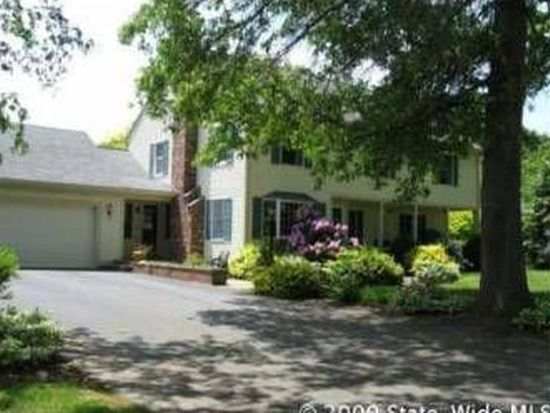 24 Stanhope Dr, Barrington, RI 02806