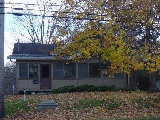 706 W Maple St, Centerville, IA 52544