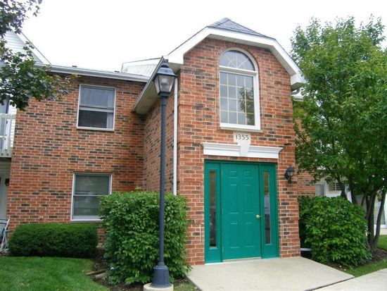 1355 Cunat Ct APT 2B, Lake In The Hills, IL 60156