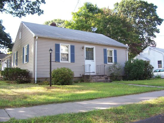 57 Linden St, Plainville, CT 06062