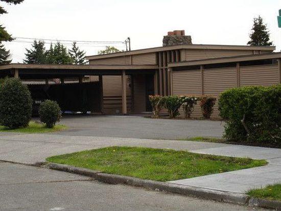 105 N 40th St, Seattle, WA 98103