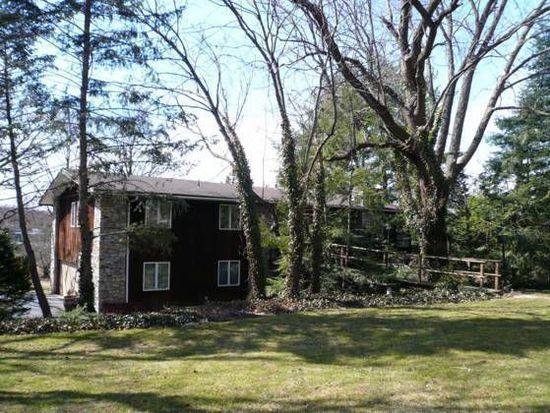 1725 Meadowlark Rd, Wyomissing, PA 19610