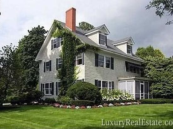 700 Andover St, Lowell, MA 01852