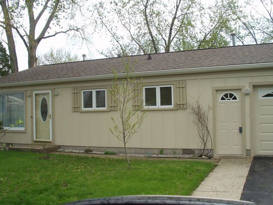 119 Lake Hills Rd, Michigan City, IN 46360