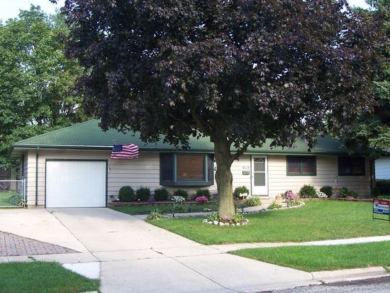 815 Carol Ave, Elgin, IL 60123