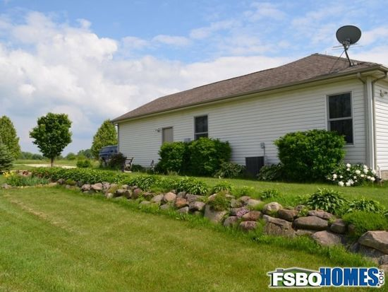 3142 W Hauer Dr NE, North Liberty, IA 52317