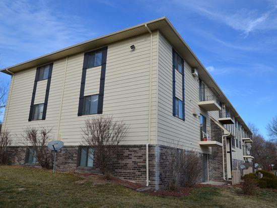 1831 Fuller Rd APT 10, West Des Moines, IA 50265
