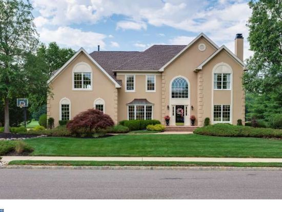 239 Country Club Dr, Moorestown, NJ 08057