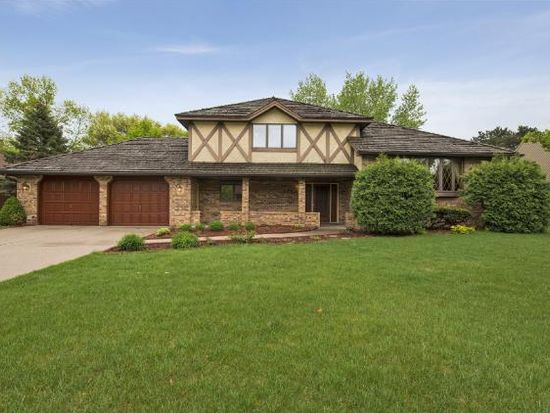 1050 Lake Oaks Dr, Shoreview, MN 55126