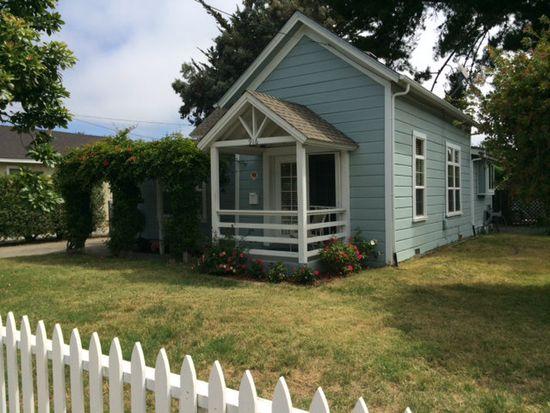 916 Sumner St, Santa Cruz, CA 95062
