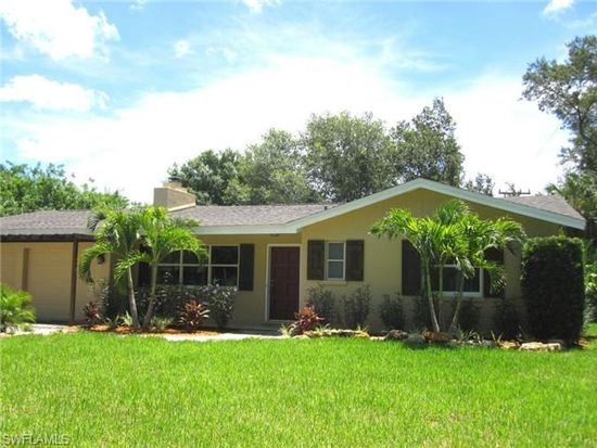 3415 Hibiscus Dr, Fort Myers, FL 33901