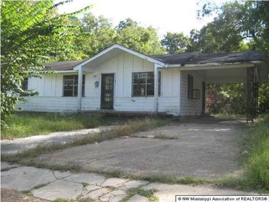 141 W Valley Ave, Holly Springs, MS 38635