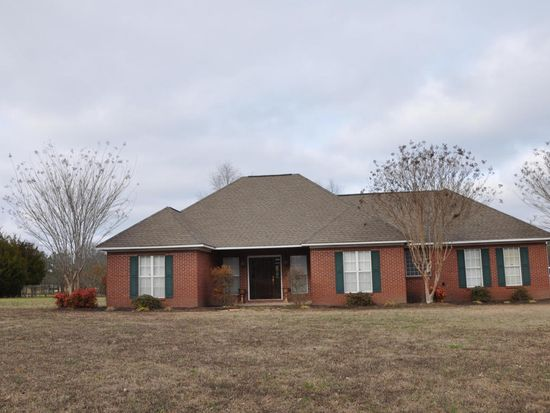 360 Haywood Rd, West Point, MS 39773
