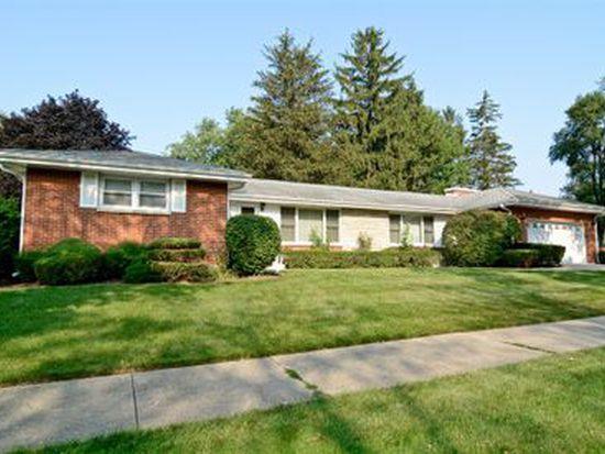 1202 W Sigwalt St, Arlington Heights, IL 60005