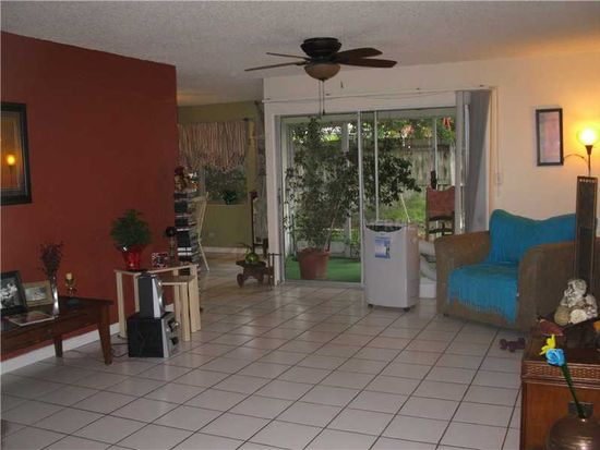 1318 Moreland Dr APT 109, Clearwater, FL 33764