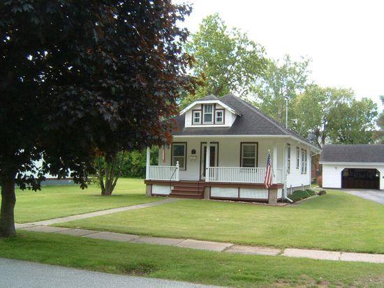 19 Clinton St, Rouses Point, NY 12979