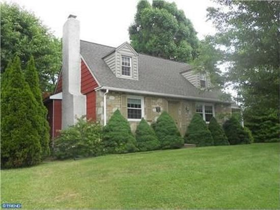 90 Maple Dr, Huntingdon Valley, PA 19006