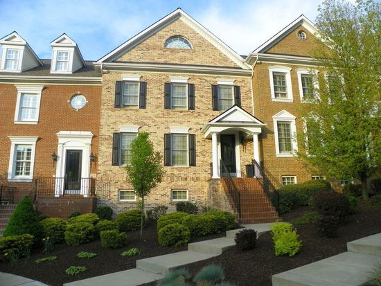709 Georgetowne Ct, Wexford, PA 15090