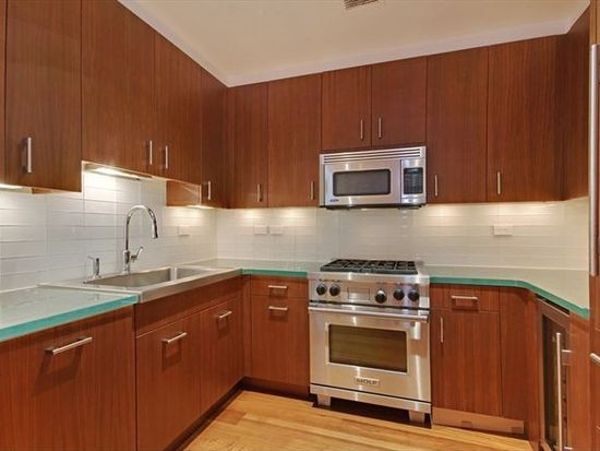 33 W 56th St APT 9C, New York, NY 10019