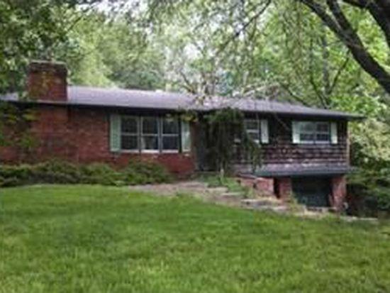 1315 Meadow Ln, Liberty, MO 64068