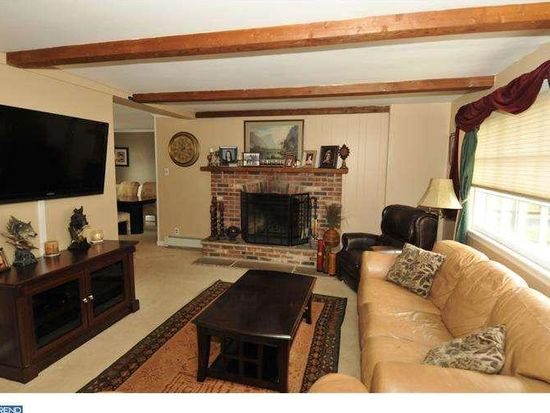 406 Tanner Rd, Hatboro, PA 19040