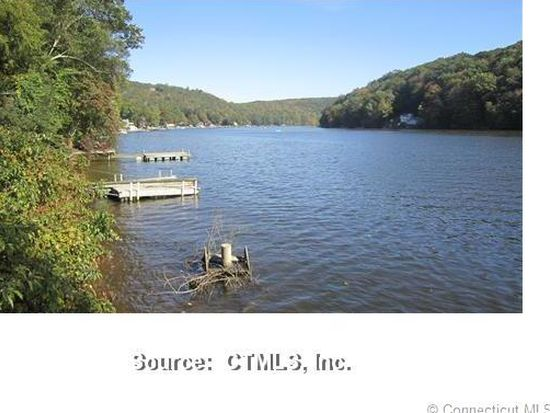 293 Lakemere Dr, Southbury, CT 06488